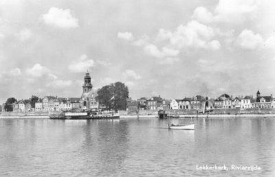 Reederij op de Lek 6 aan de rivierzijde Lekkerkerk